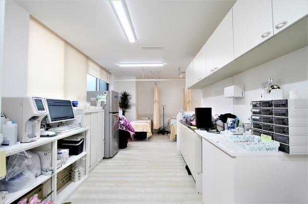 循環器内科クリニックの内装床材2018519 (4)